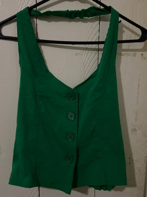 Green Top With Elastic Back Size Medium.