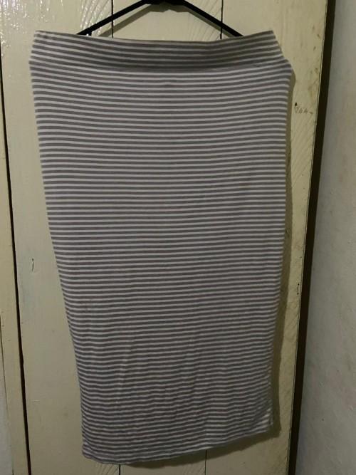 Stripe Gray Skirt Suit Set, Size Large.