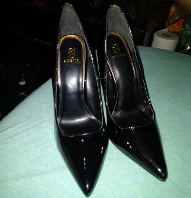 Black High Heels With Gold Zipper, Size 8.