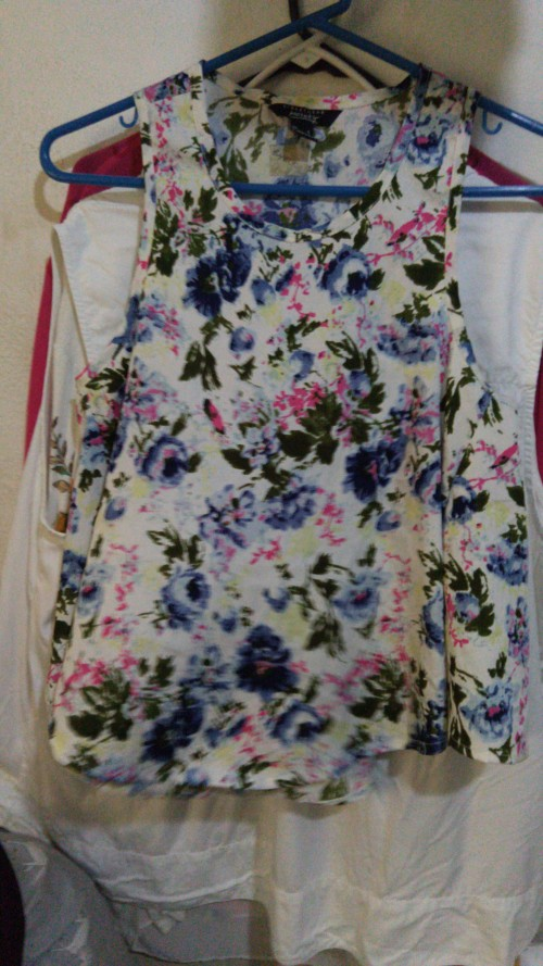 Floral Sleeveless Shirt, Size Small