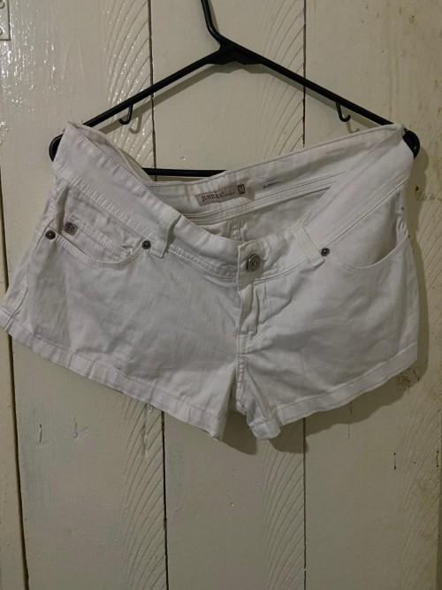 Just USA White Jean Shorts, Size Medium