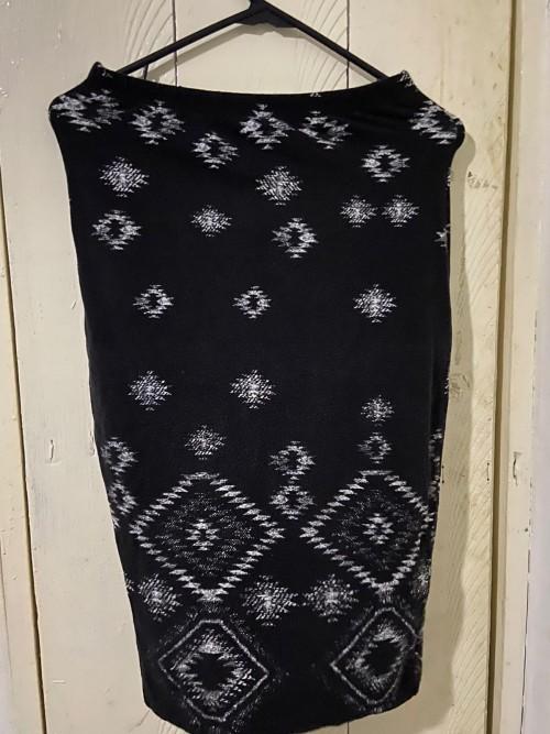 Black And White Short Skirt, Size Medium