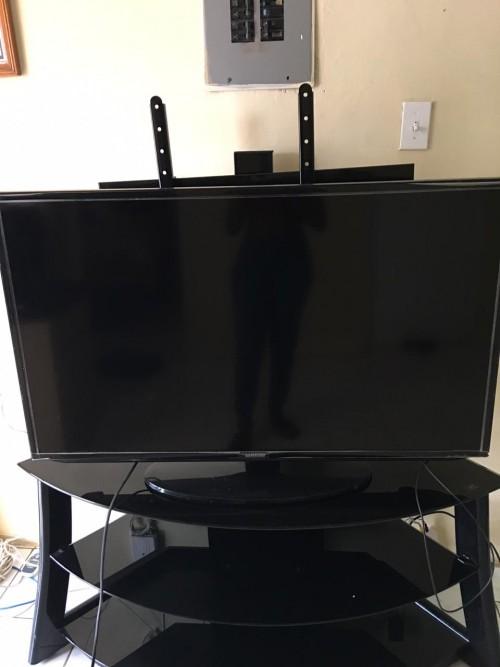 NEW 46 Inch Samsung Galaxy SMART TV
