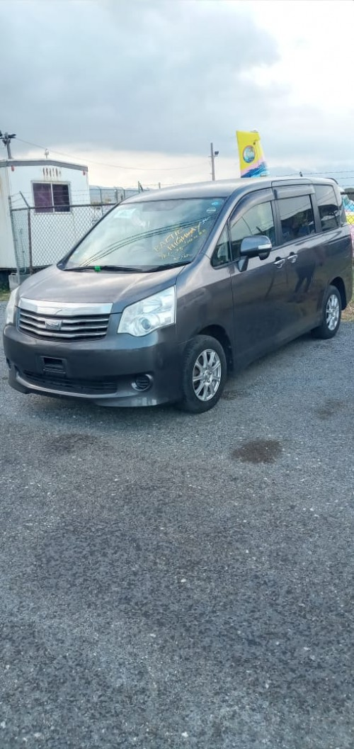 2011 Toyota  Noah X Smart For Sale Newly Imported