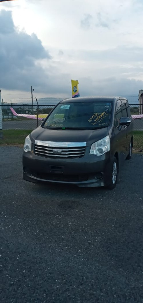 2011 Toyota  Noah X Newly Imported For Sale 1.820