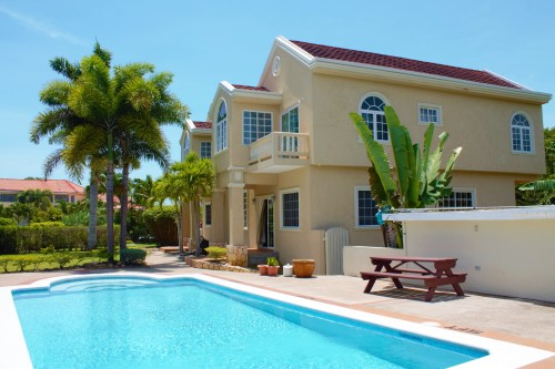 6 BEDROOM 6 BATH VILLA BEHIND JEWEL PARADISE