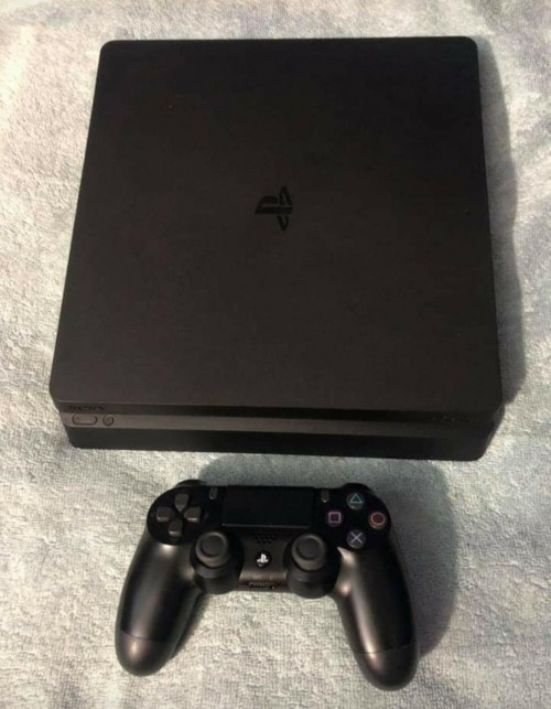 2 Faily New Ps4 Slim