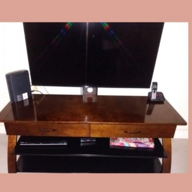 60 Inches TV Console/Stand
