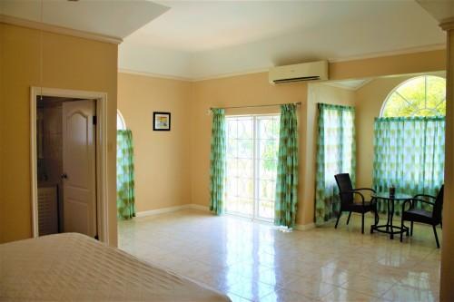 6 BEDROOM 6 BATHROOM VILLA