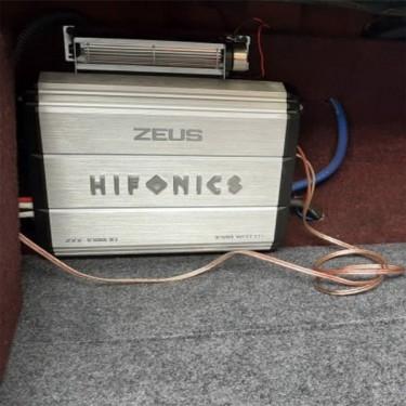 Hifonics Zeus 2000 Watt Amp, Mint Condition