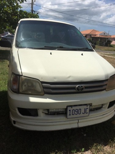 Year 2000 Toyota LiteAce [Used]
