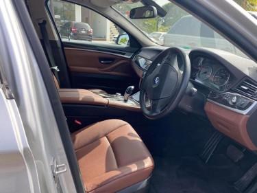 2011 BMW523i