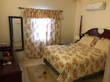 FULLY FURNISHED 2 Bedroom 2 Bath House FOR RENT