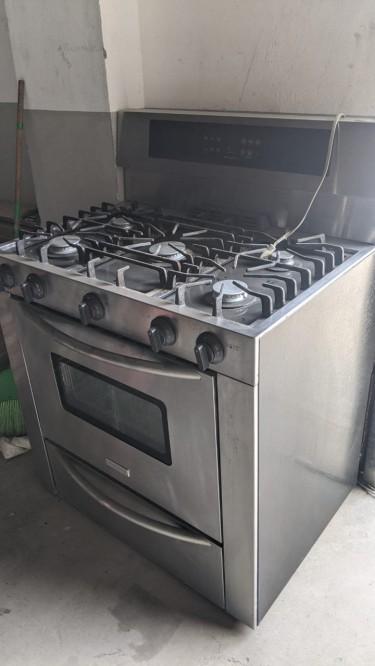 Frigidaire Professional Series 5 Burner Gas Stove