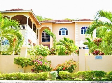 1 Bedroom Apartment In Montego Bay $15,000