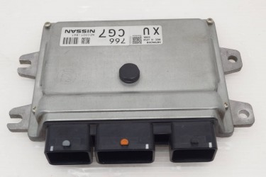 Nissan Wingroad Y12 Genuine Engine Computer
