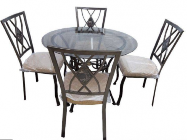 BRAND NEW 5 Piece Dinning Round Glass Table