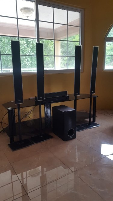 LG Blu-ray Surround System From England