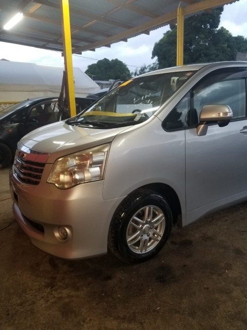 2010 Toyota  Noah Newly Imported For Sale 139000km