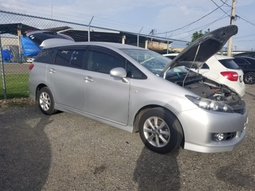 2011 Toyota  Wish Newly Imported For Sale 2000cc E