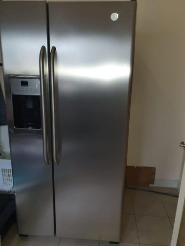 Stainless Steel General Electric Refrigerator