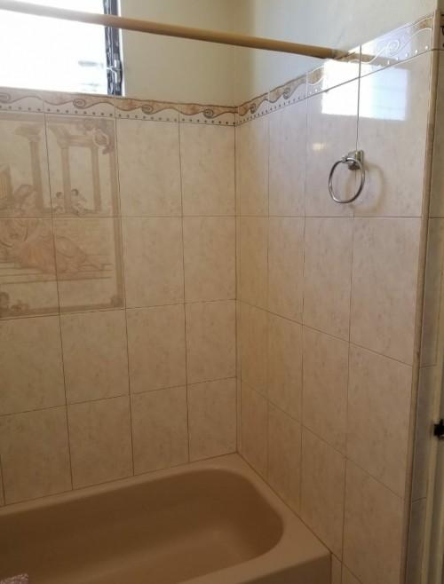 Semi-Furnished 1 Bedroom 1 Bathroom-Shared Kitchen