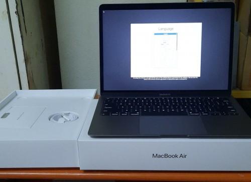 Apple MacBook Air 13-inch 2020