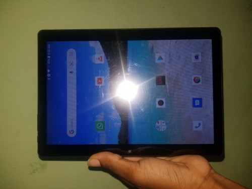 BRAND NEW SIM CARD TABLET WORK WITH TWO SIM