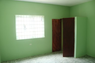 2 Bedroom, 1 Bathroom Kitchen With Living Room