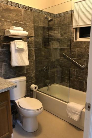 2 Bedroom, 2 Bathroom Apt Fully Furnished