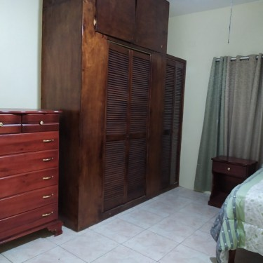 Furnished 1 Bedroom Shared Bathroom And Kitchen