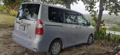2010 Toyota Noah