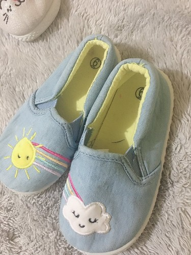 Pre Own Size 6 Girl Shoes