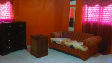 1 Bedroom And Bathroom With Share Kitchen