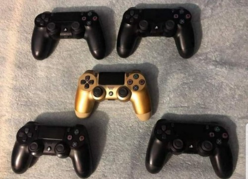 Faily New And New Ps4 Controller