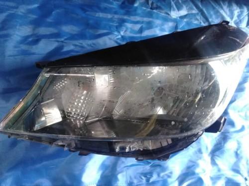 Pair Vitz Headlights