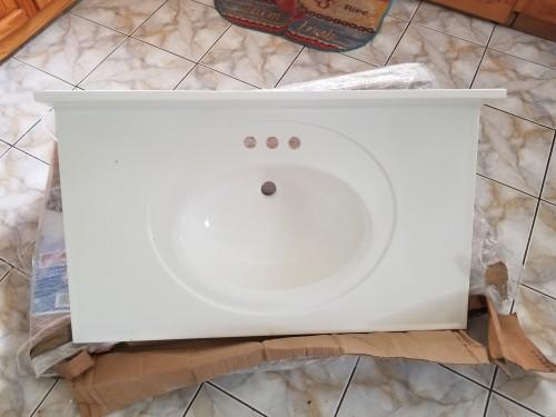 Vanity Top Sink With Sidesplash