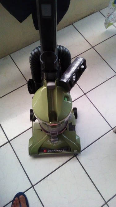 Super Strong Hous Carpet Cleaner Is For Sale