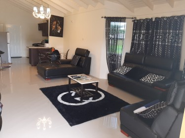 Fully Furnished 2 Bedroom With Wifi