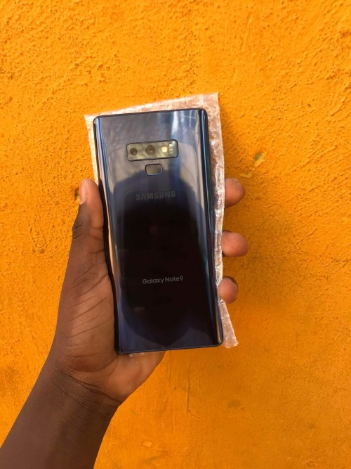 9/10 Note 9 For 53k Have A Small Slight Crack Line