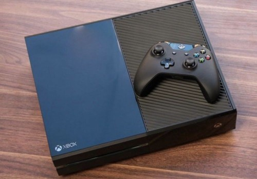 Xbox ONE (comes With Gta5 And Fifa)