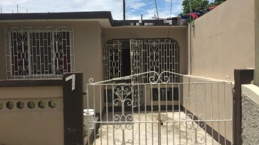 FURNISHED:2BEDROOMS 2BATHROOMS HOUSE