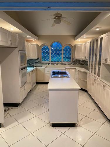Newly Refurbished 4 Bedroom 4 Bathroom Home