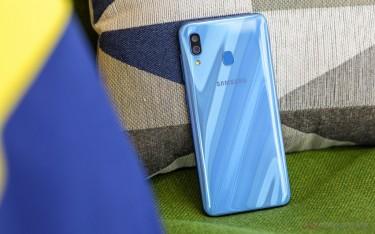 Samsung Galaxy A30 (Blue)