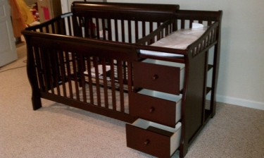 Convertible Baby Crib W/ Drawers And Changing Tabl