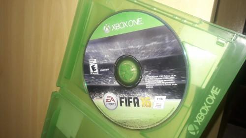 FIFA 16 Xbox One Cd