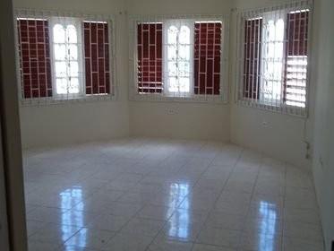 2 Bedrooms 1 Bathroom For Rent