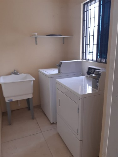 Huge 1 Bedroom, Kitchen And Bathroom(Females Only)