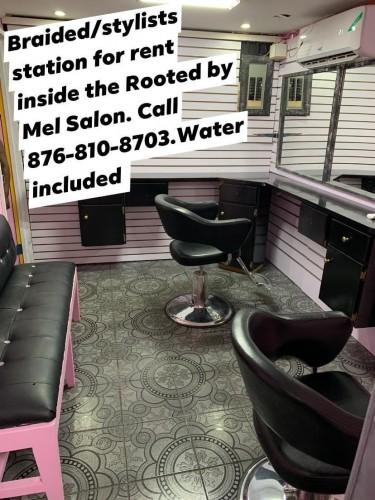 Hairdresser/ Braid Stylist Space For Rent