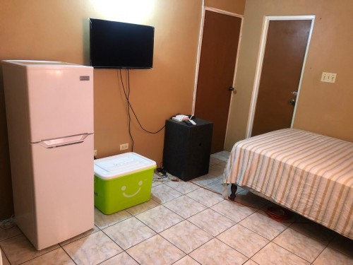 1 BEDROOM FULLY FURNISHED - EMPLOYED SINGLE FEMALE